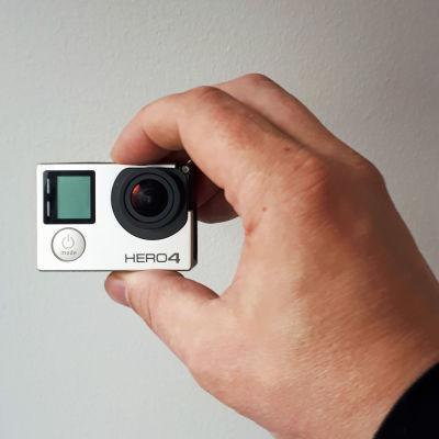 Action-kamera on tuskin tulitikkulaatikkoa suurempi.