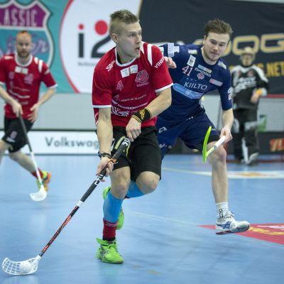 Jaska Kunelius kämpar mot Classic