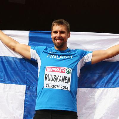 Antti Ruuskanen tuuletti EM-kultaa Zürichissä 2014.