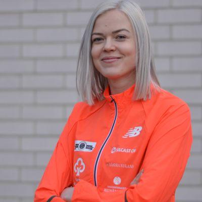 Porträttbild på Jonna Berghem.