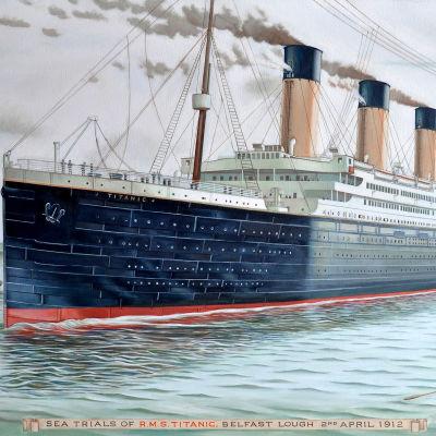 RMS Titanic förbereds för avfärd.