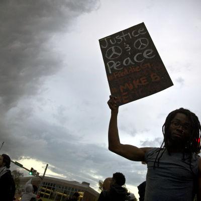 Protester mot polisers våld mot svarta i Baltimore.