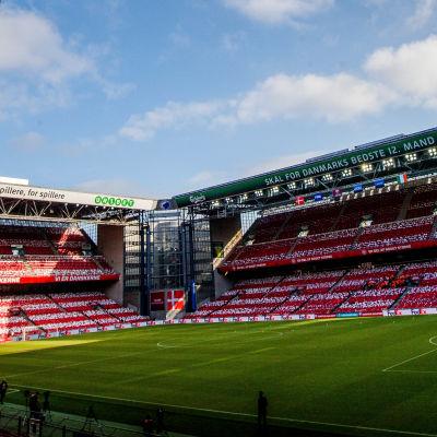 Parken i Köpenhamn tom inför match.