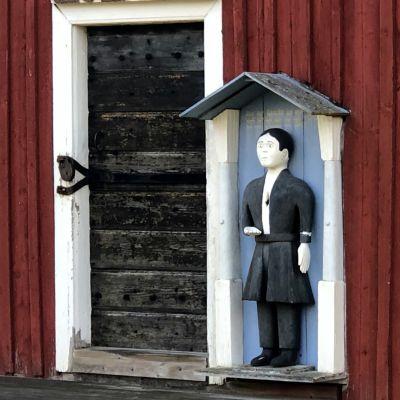 Fattiggubben vid Pörtom kyrka.