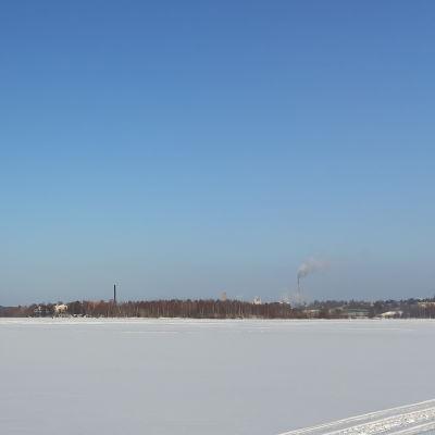 Ett vintrigt landskap.