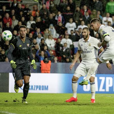Real Madrids Sergio Ramos kvitterade i slutet av matchen till 2–2.