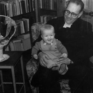Isoisä Paavo Tervakangas ja napero Olli Kortekangas