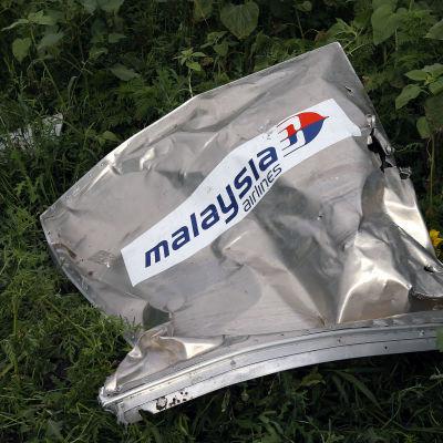 En del av Malaysia Airlines plan som störtade i Ukraina 2014