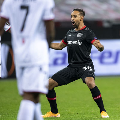 Karim Bellarabi gjorde två mål för Bayer Leverkusen.