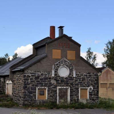 Meijerinranta Kiteenjärven rannalla on 1900-luvulla ollut kaupungin keskeisin teollisuusalue. Kuvassa vanha kivinen meijerirakennus.