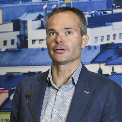 Kokoomuksen eduskuntaryhmän puheenjohtaja Kai Mykkänen puolueen eduskuntaryhmän kesäkokouksessa Helsingissä 25. elokuuta.