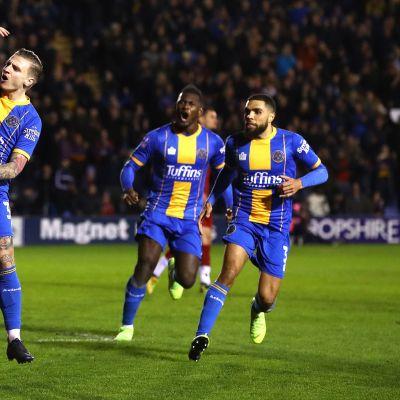Piskuinen Shrewsbury yllätti Liverpoolin cupissa! Katso maalikooste