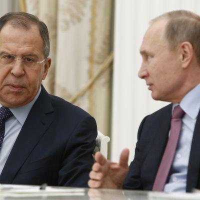 Rysslands utrikesminister Sergej Lavrov och president Vladimir Putin.