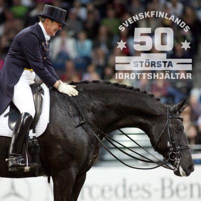 Kyra Kyrklund med Max 2006. Med logon för Svenskfinlands 50 största idrottshjältar.