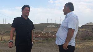Ville Haapalo vierailee armenialaisessa jesidikylässä