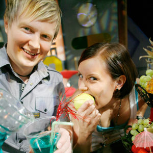 Galaxin juontajat Jari ja Hanna 2008
