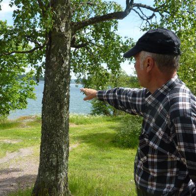 Fjalar Lindroos leder promenaden i Vestlax.