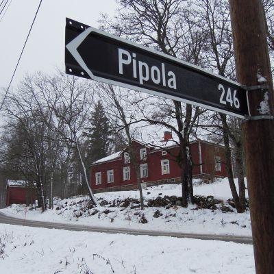 Karjalohjan keskustan tuntumassa sijaitsevassa Pipolakodissa on 30 asukasta.