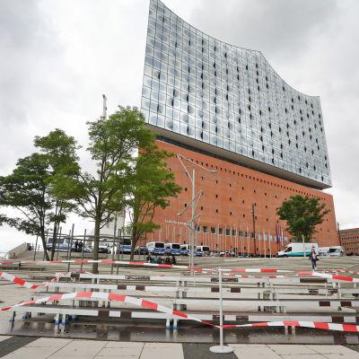 G20-ledarna möts i konserthuset Elbphilharmonie i Hamburg fredagen den 7 juli 2017.