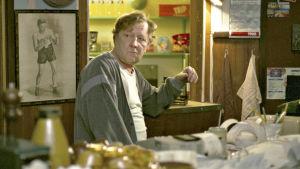 Sulevi Peltola elokuvassa Haaveiden kehä.
