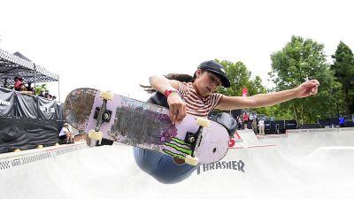 Lizzie Aramanto hoppar i en tävling.