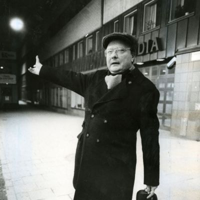 Stig Engström, känd som Skandiamannen, ska ha mördat Sveriges statsminister Olof Palme 1986 enligt chefsåklagare Krister Petersson.
