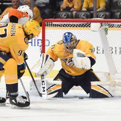 Juuse Saros räddade samtliga 32 skott mot Philadelphia Flyers.