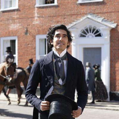 På bilden syns skådespelaren Dev Patel i rollen som David Copperfield.