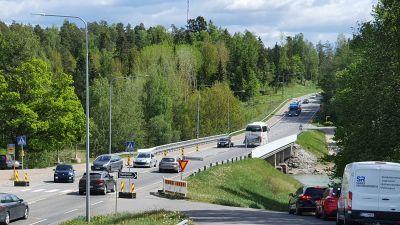 Trafik över Kustö bro i S:t Karins.