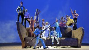 berlienr festspiele, berlin, herbert fritsch, ohne titel nr. 1, oper, theatertreffen 2014, victoria behr, volksbühne am rosa-luxemburgplatz