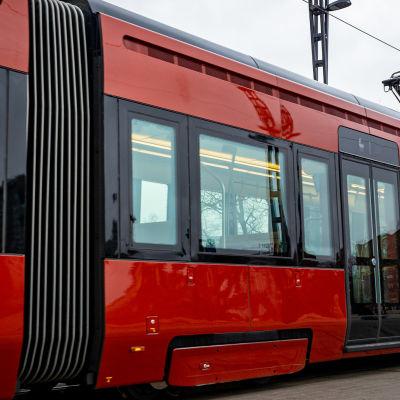 Tamperelaisen raitiovaunun kylki