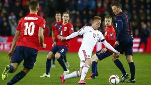 Norge åkte på en riktig kalldusch i det första mötet med Ungern.