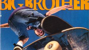 Big Brother -lehden kansi, jossa ilmassa oleva skeittaaja on kuvattu alhaalta päin.
