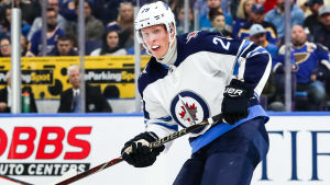 Patrik Laine under Winnipegs säsongsdebut i NHL.
