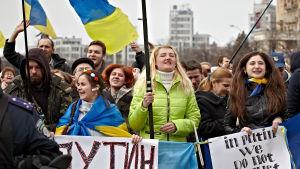 De här demonstranterna i Charkiv vill inte att Ukraina ska splittras.