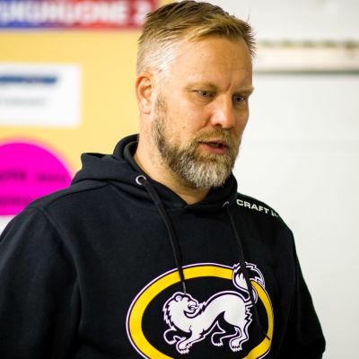 Kärpäts chefstränare Mikko Manner.