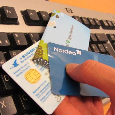 Elektronisk identifiering med till exempel bankkoder.