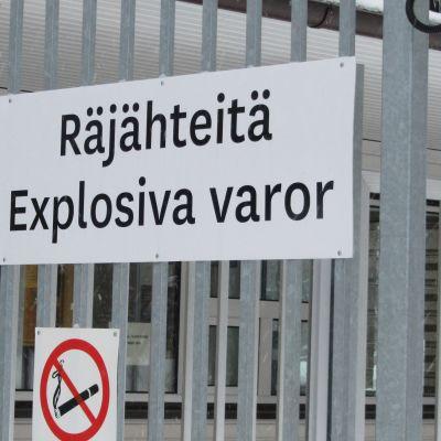 Skylt utanför Forcit i Hangö