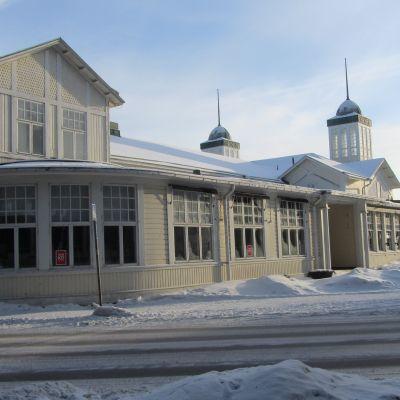 Hangö Casinos fasad mot Appelgrensvägen.