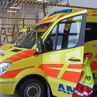 Ambulanser i brandstationen i Jakobstad