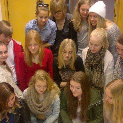 En grupp elever från Kattan i Åbo som deltar i projektet Veckans skola april 2013.