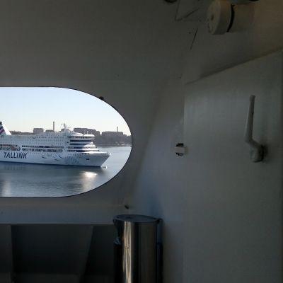 Tallink-fartyg i Värtahamnen.