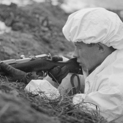 Finnish soldier facing the Soviet attack.