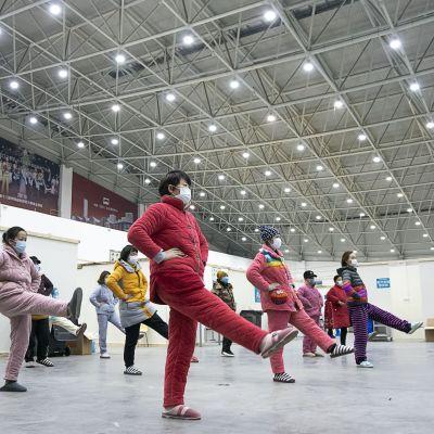 Tillfrisknande patienter i Wuhan där utbrottet började i december.