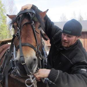 Tarsan ja Miika Åfelt tauolla