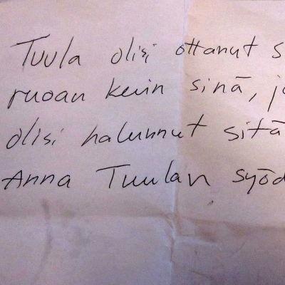 Käsinkirjoitettu muistilappu muistisairaalle äidille.