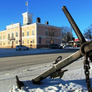 Lovisa rådhus vintertid.