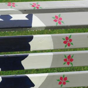 Marjaleena Tuunanens parkbänk har inspirerats av Lovisas historia