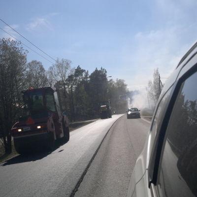 Asfaltarbeten på Skärgårdsvägen i Pargas 7.5.2014