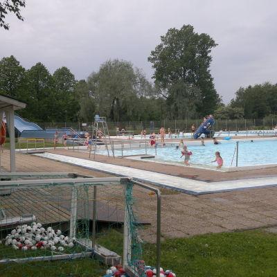Kuppis utebad i Åbo sommaren 2014